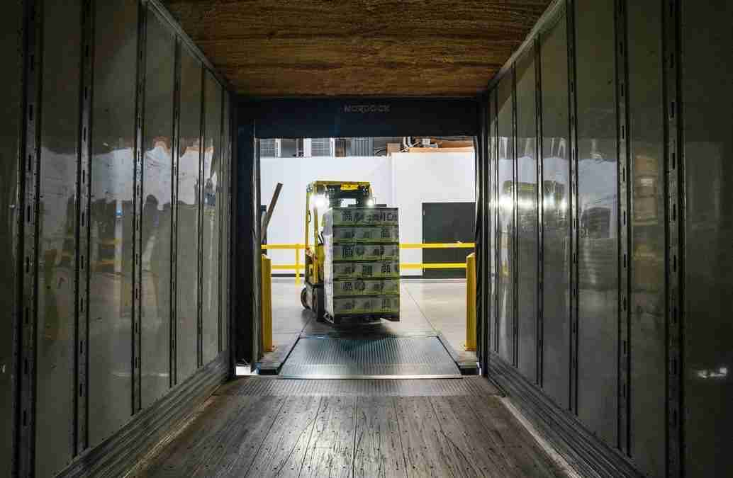 How to Get Warehouse Customer Service